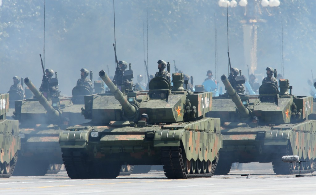 In the photo is the tank formation being inspected on the Tian'anmen Square on September 3, 2015. [Photo/Xinhua]